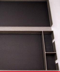 Caja con tres divisiones